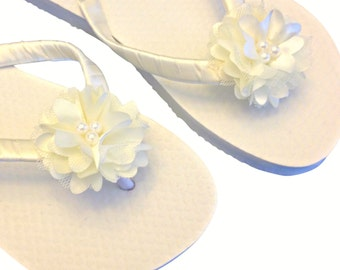 Beach Wedding Flip Flops - Flower Flip Flops - Bridal Sandals - Beach Bride Shoes - White Flip Flops - Custom Flip Flops