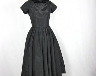 Vintage 50s 60s Little Black Dress, Velvet Trim, Sz S