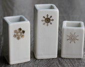 white and gold christmas vases, free same day priority shipping