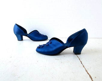 Vintage 1940s Shoes / Blue Satin Slippers / Daniel Green / Boudoir Slippers / Size 8