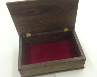 Cigar Box in Walnut