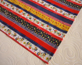 """2 Vintage 1980's Square Fabric Tablecloths 42"""" x 42"""" 