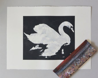 Swan Print - Metallic Grey Black