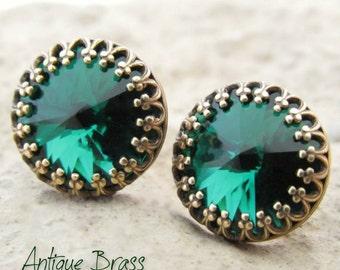 Emerald Green Stud Earrings, Round Green Studs, Swarovski Crystals, Rhinestone Earrings, Emerald Green Jewelry, Bridesmaid Jewelry Gift