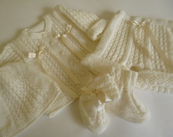 Knit Baby Outfit, Christening Baby Set, Coming Home Baby Set,  Uniex Baby Outfit, Antiallergic Yarn