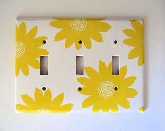 Yellow Flowers Switchplate Cover / Shabby Cottage Decor / Single Toggle Switch / Boho Floral Bathroom / Electrical Outlet