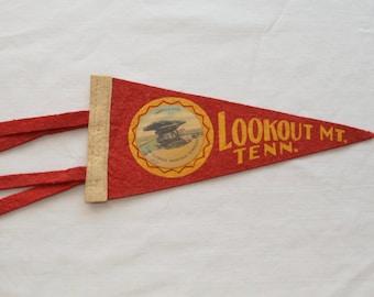 Vintage LOOKOUT MOUNTAIN Tennesse felt pennant smaller size souvenir