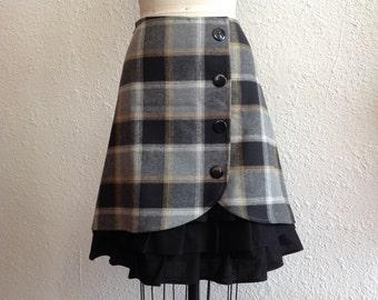 SALE Natasha ruffle front skirt Sz 6