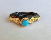 18K Gold Turquoise Iron Ore Ring Lebanon ca 1990 Unusual Beautiful Ring Persian Turquoise