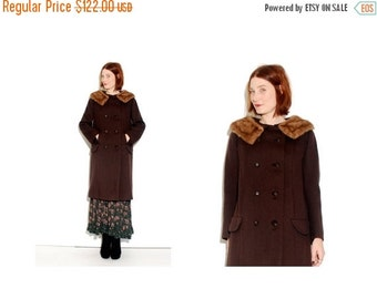 HURRY HALF OFF Stunning 1950s 1960s Coat with Mink Fur Collar