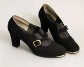 Vintage Black Suede Chunky Heel Pumps Size 8 // MOD 60s mary jane buckle shoes // 1960s heels