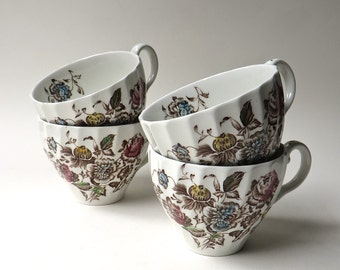 Johnson Brothers vintage Staffordshire Bouquet Tea Cups  / made in England / Set of 4