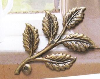 6 pcs Antique brass large leaf charm/finding
