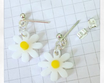 Daisy Earrings - small