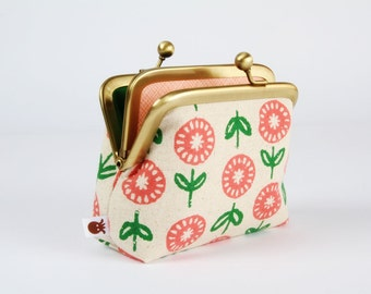 Metal frame purse with two sections - Spring flowers - Siamese dad / Peach pink grass green