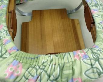 Rug hooking frame cozy