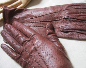 Vintage rich brown textured leather gloves, above wrist stitched upper brown leather gloves, Talbot's size 7 dark brown leather gloves