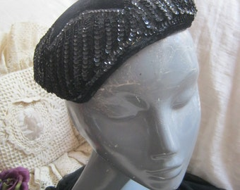 Vintage retro black velvet sequins small hat, black beaded shaped hat, Juliet style fitted cap hat, black velvet black sequins beret style