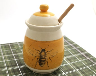 honey pot with dipper - ceramic honey jar - honey bee - honey pot with bee - handmade ceramic - home and living