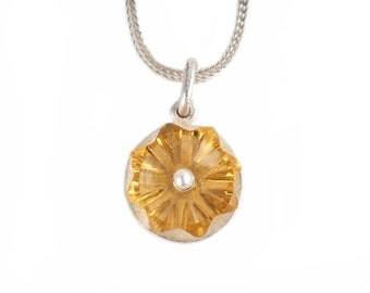 Silver Pendant with citrine-flower and a small pearl