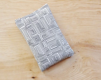 Organic Lavender Bags, Black & White Maze, Modern Bedroom Decor, Scented Sachets for Drawers