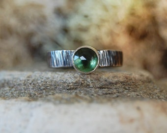 of the forest.  hammered sterling silver stacking ring. forest green quartz ring.  oxidized, rustic, bark ring. size 6.