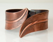 1970s Textured Copper Tone Chunky Vintage Hinged Cuff Clamper Bracelet