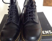 Vintage 90's Men's Dr. Martens Black Boots US Size 8