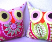 New year sale //Set of TWO/pink/green/TWO/Polyfil Stuffed little owl pillows decoration/collection - Ready to ship