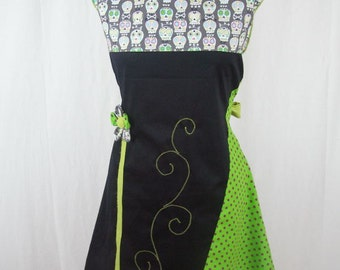 Black and green dress Kyriu skull and flower
