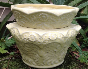 ceramic, violet planter, self watering, lace,yellow, lemon yellow, planter, african violet pot