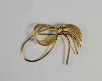 Western GERMANY Brushed and Polished Gold BOW shaped Brooch,Pin.