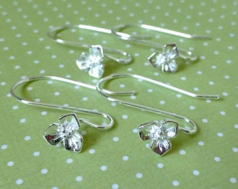 Pack of 10 Brass Ear hooks With Flower
