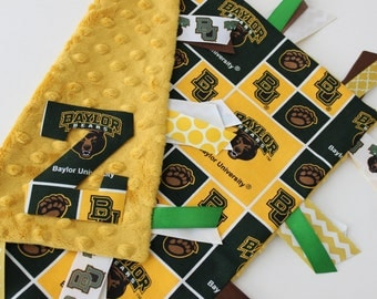 taggie, tag, blanket, personalized, baby, gift, Baylor, bears, green, gold, minky, ribbon, lovey