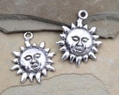 Sun Charms, 12pcs, 17mm, Alloy Metal Charm, Round Charms, Silver Sun - C712