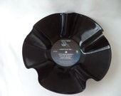 1982 38 SPÉCIAL pris dans vous bol disque vinyle. Disque vinyle recyclé. Bol de disque. Cadeau d'amant de musique. Décor de salle de musique. des années 80 rock Album