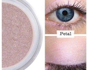 Pink Iridescent Eyeshadow, Pure Eco, Highlight Eyes, Subtle Shimmer, Natural Eye Color, Mineral Makeup, Natural Cosmetics, Daytime, PETAL