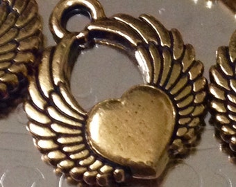 Gold winged heart charms (set of 5)