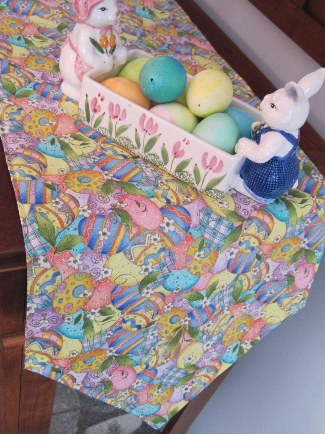 easter egg table runner 72 reversible easter table. Black Bedroom Furniture Sets. Home Design Ideas