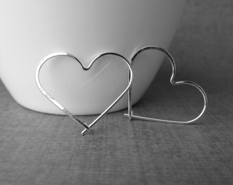 Silver Heart Earrings, Minimalist Heart Wire Earrings, Sterling Silver Wire Earrings, Heart Hoop Earrings, Love Earrings, Small Heart Hoops