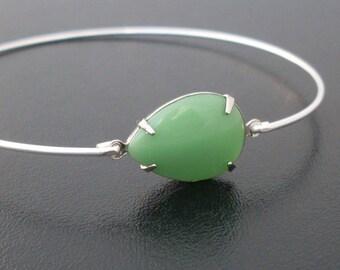 Green Bracelet -  Marita, Green Bangle Bracelet, Green Jewelry, Vintage Glass, Thin Silver Bangle Bracelet, Thin Silver Bracelet