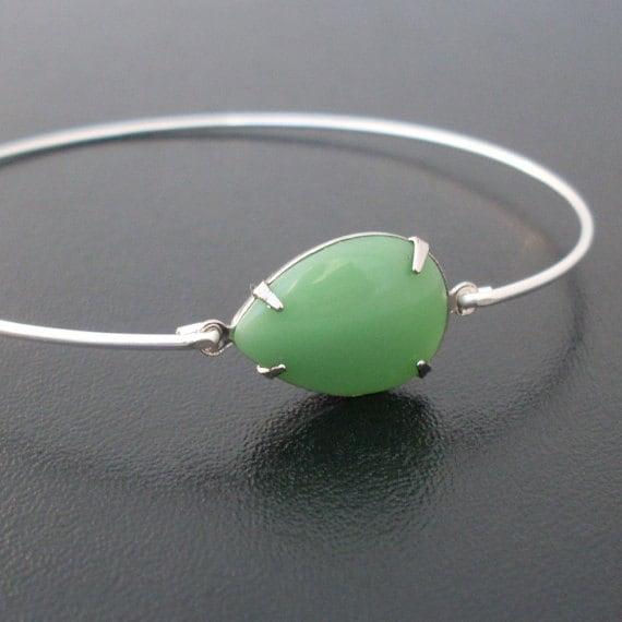 Green Bracelet, Green Bangle Bracelet, Vintage Glass, Thin Silver Bracelet, Green Jewelry, Thin Silver Bangle Bracelet, Marita
