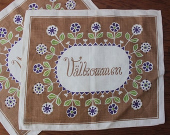 Swedish Linen Valkommen Welcome Placemats 2 Table runner Scandinavian set Folk Art Mint VINTAGE by Plantdreaming