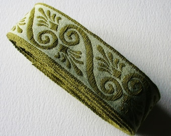 Vintage Trim Scroll and Frond Bold Design Pea Green Dark Green Two Tone 5 Meters