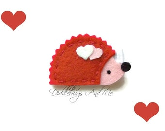 Valentine Hedgehog Hair Clip, Red and Pink Hedgehog Hair Clip, Valentine Hair Clip, Girls Hair Clips, Hedgehog With Hearts Hair Clip
