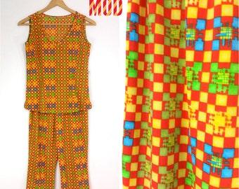 Super Comfy Vintage 90s Orange, Green & Blue Geometric Slinky Stretchy Capri Pant Set!