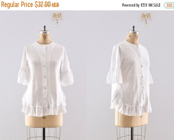 white ruffled hem blouse / Catalina blouse / vintage 1970s blouse