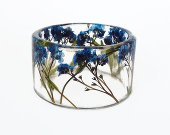 Size Large Forget Me Nots Botanical Resin Bangle. Resin Bracelet with Pressed Flowers.  Resin Bracelet.  Resin Jewelry.  Engraved Bracelet.