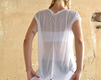 Winter Sale 15% Off!!! New Collection winter 2016! White delicate T-shirt , extra long back  tails