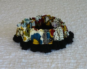 """Dotted Fall Floral Dog Scrunchie Collar - fuzzy black trim - Size M: 14"""" to 16"""" neck size - TrY Me PRiCe"""